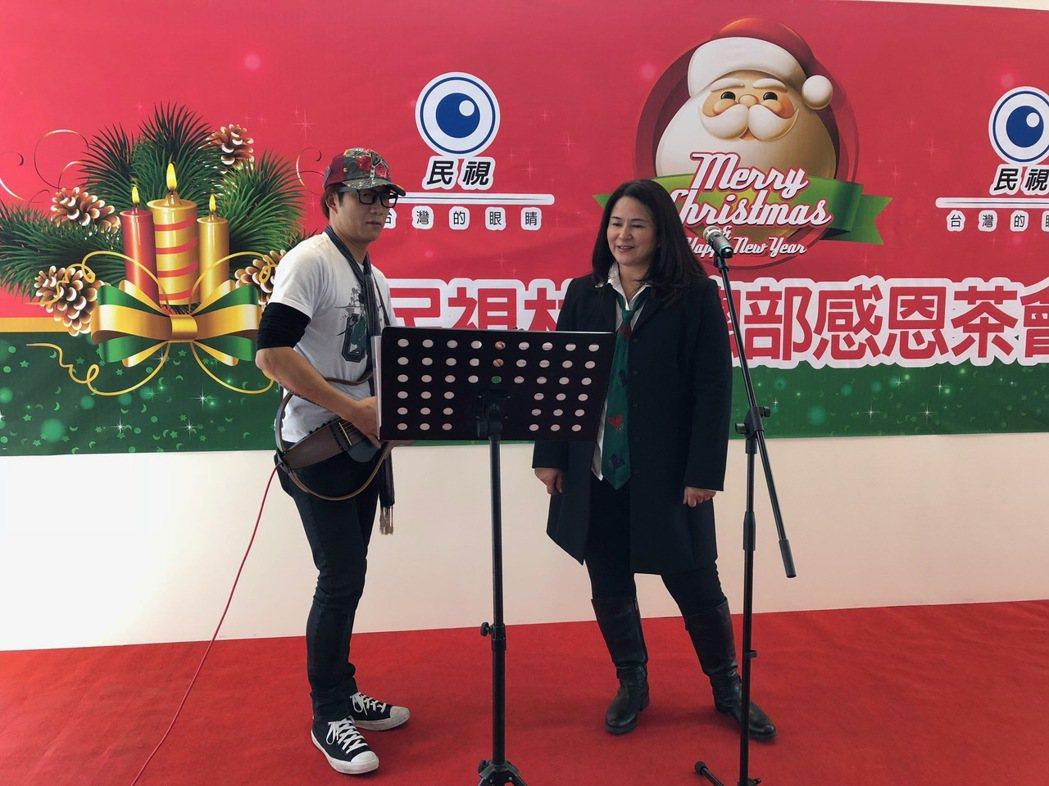 裘海正受邀出席民視耶誕派對,演唱不少耶誕歌曲。圖/民視提供