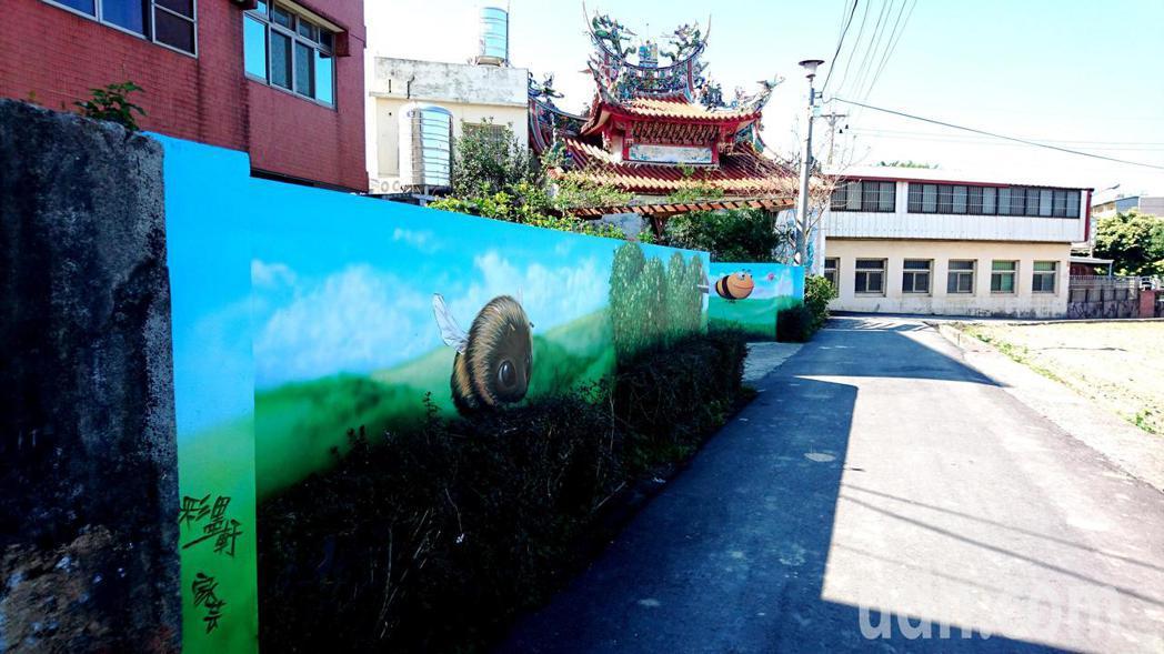 3D彩繪成功翻轉單調農村社區,后里舊社里成為當前最紅的彩繪村。記者黑中亮/攝影
