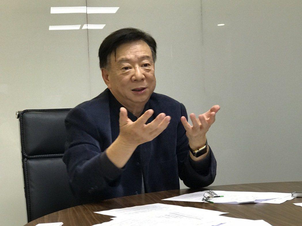 宣捷生技董事長宣明智說明他從半導體跨足生醫產業的心路歷程。記者黃文奇/攝影