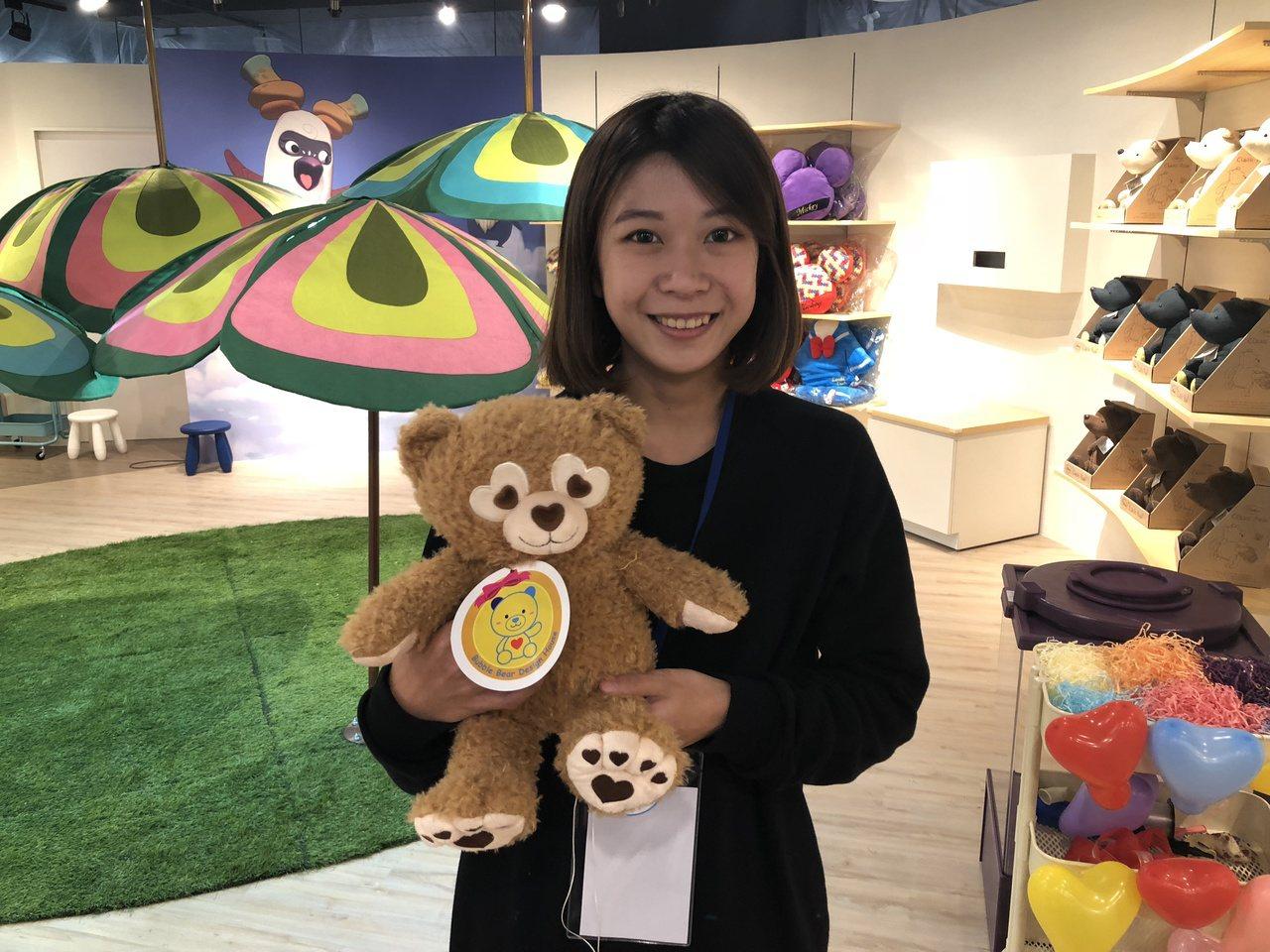 「泡泡熊」為讓孩子能DIY自製屬於自己的玩具熊。記者宋健生/攝影