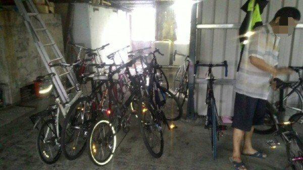易姓男子偷了53台自行車,去年九月被文山二警分局景美派出所查獲,其中5台有登錄「...
