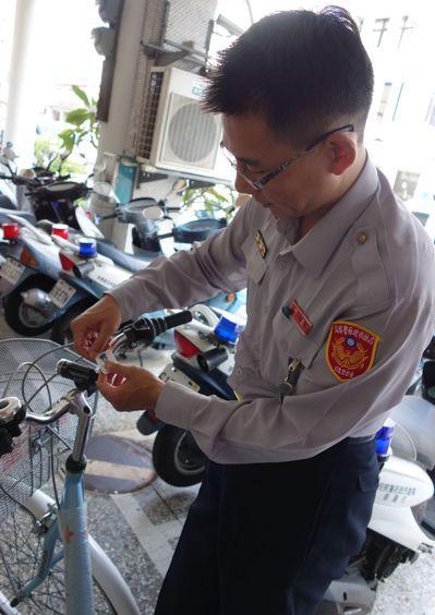 各派出所都曾推出單車烙碼服務,但因不符效能,北市已全面回收。 圖/聯合報系資料照...