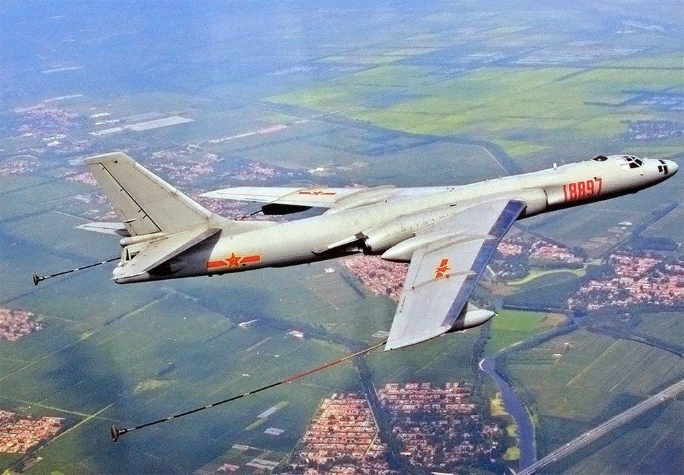 由轟六改造成的「轟油六」空中加油機,隸屬空8師。 圖/取自大陸「空軍世界」網站