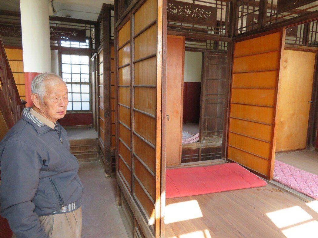 朴子市東亞大旅社有檜木和室,成為背包客、單車客喜愛的投宿地點。 記者魯永明/攝影