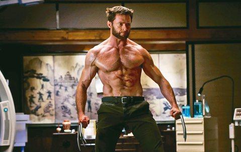 澳洲巨星休傑克曼(Hugh Jackman)因在「X戰警」系列電影中飾演「金鋼狼」(Wolverine)一角而廣為人知,儘管已經正式卸下狼爪,脫離「金鋼狼」一角,但出門在外依舊顯得帥氣。日前他與老婆...
