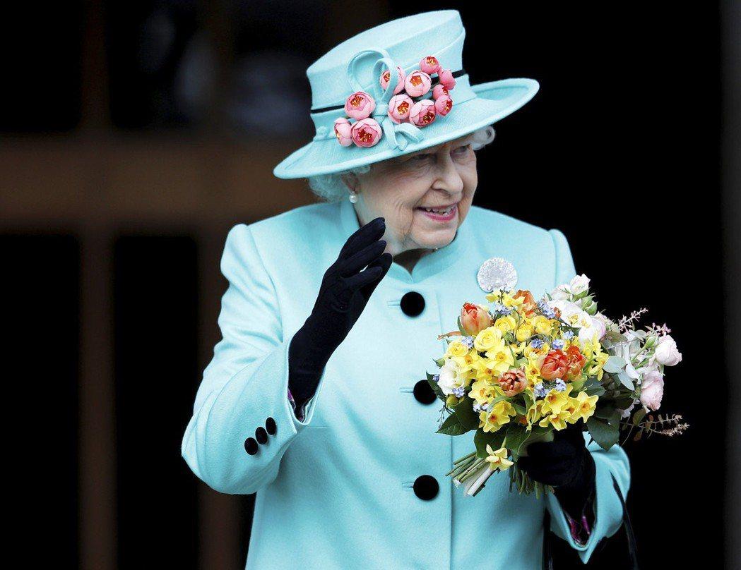 英國女王伊莉莎白廿日舉辦耶誕家族午宴。 (美聯社)