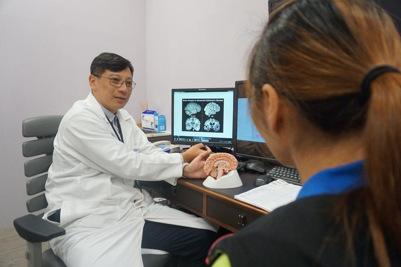 究竟是失智或阿茲海默老人痴呆,要由專科醫師診斷。記者鄭國樑/攝影