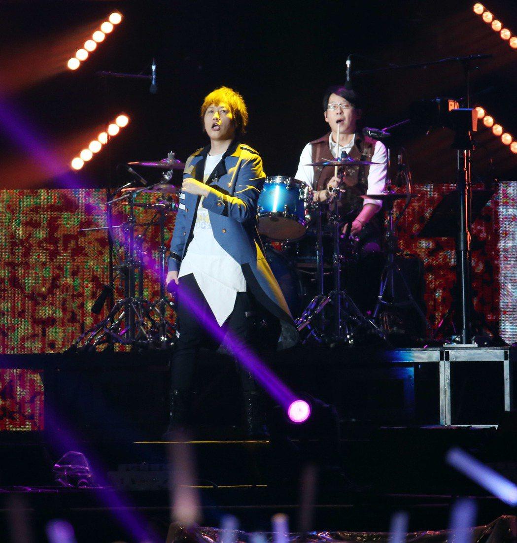 五月天23日在桃園國際棒球場開唱。記者陳瑞源/攝影
