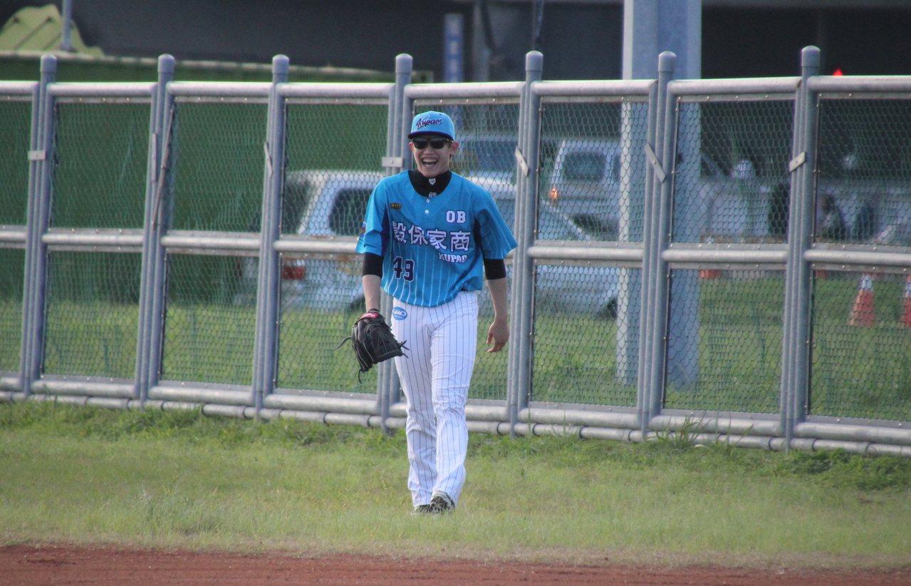 日職羅德隊投手陳冠宇擔任先發一壘手。記者葉姵妤/攝影