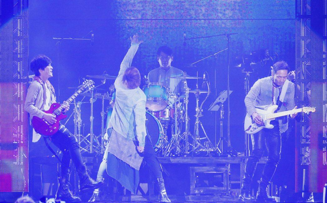 五月天23日在桃園開唱。圖/相信音樂提供