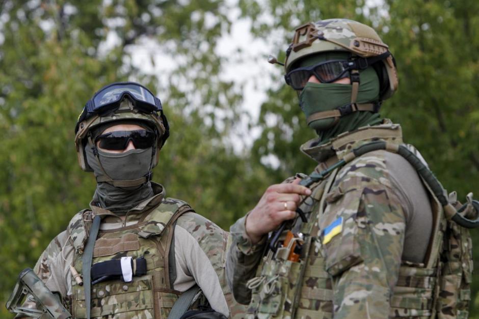 美國提升烏克蘭防衛能力的決定,引起莫斯科極大不滿。圖為烏東地區檢查哨站崗的烏克蘭...