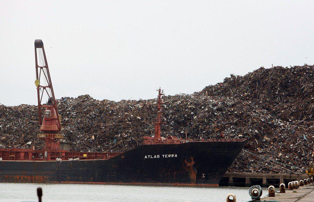 中國禁止進口「洋垃圾」,恐讓美國西岸城市爆發垃圾危機。 周喆/攝影