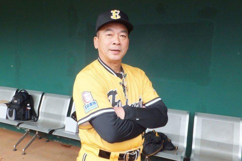 教練江仲豪擔任兄弟象代理總教練長達3年之久,帶兵場次多達301場,在兄弟隊史僅次...