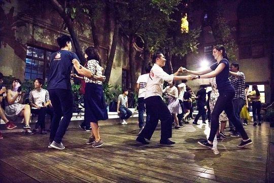Swing Dance是近來正夯的新社交方式。(攝影/劉德媛)