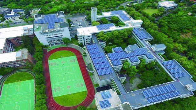各級學校積極安裝太陽能發電系統,圖為士林區天母國中。(圖╱台北市政府產業發展局提...