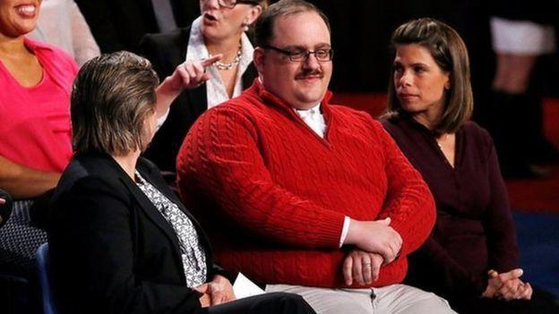 「包恩大叔」(中)在去年美國總統候選人辯論會上提問而爆紅,後來被起底,成為「奶昔...