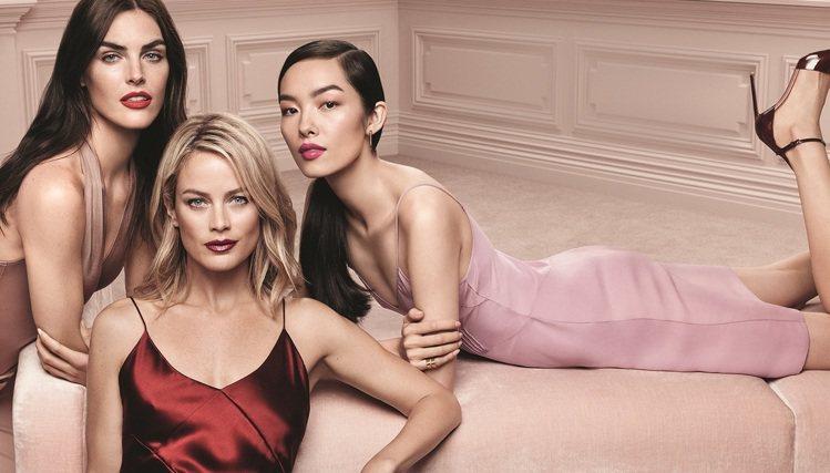 雅詩蘭黛全新打造3種不同質地的「絕對慾望奢華美唇露」。圖/雅詩蘭黛提供