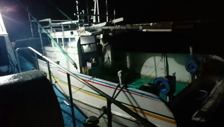 海巡署及早尋獲,避免漁船成為「幽靈船」在海洋飄流。記者謝恩得/翻攝
