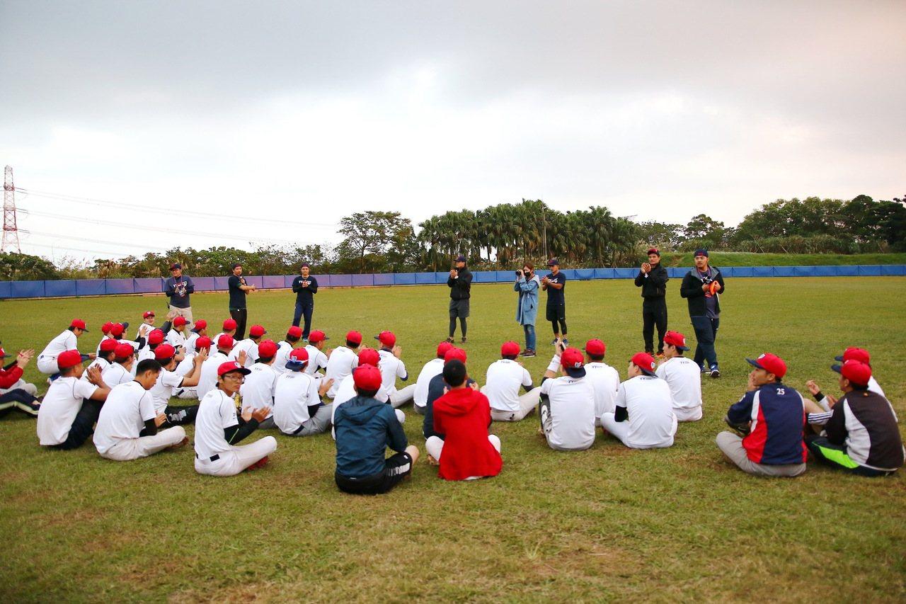 「YY Baseball Camp」打擊/內野守備訓練營今天結訓。圖/寶悍運動平...