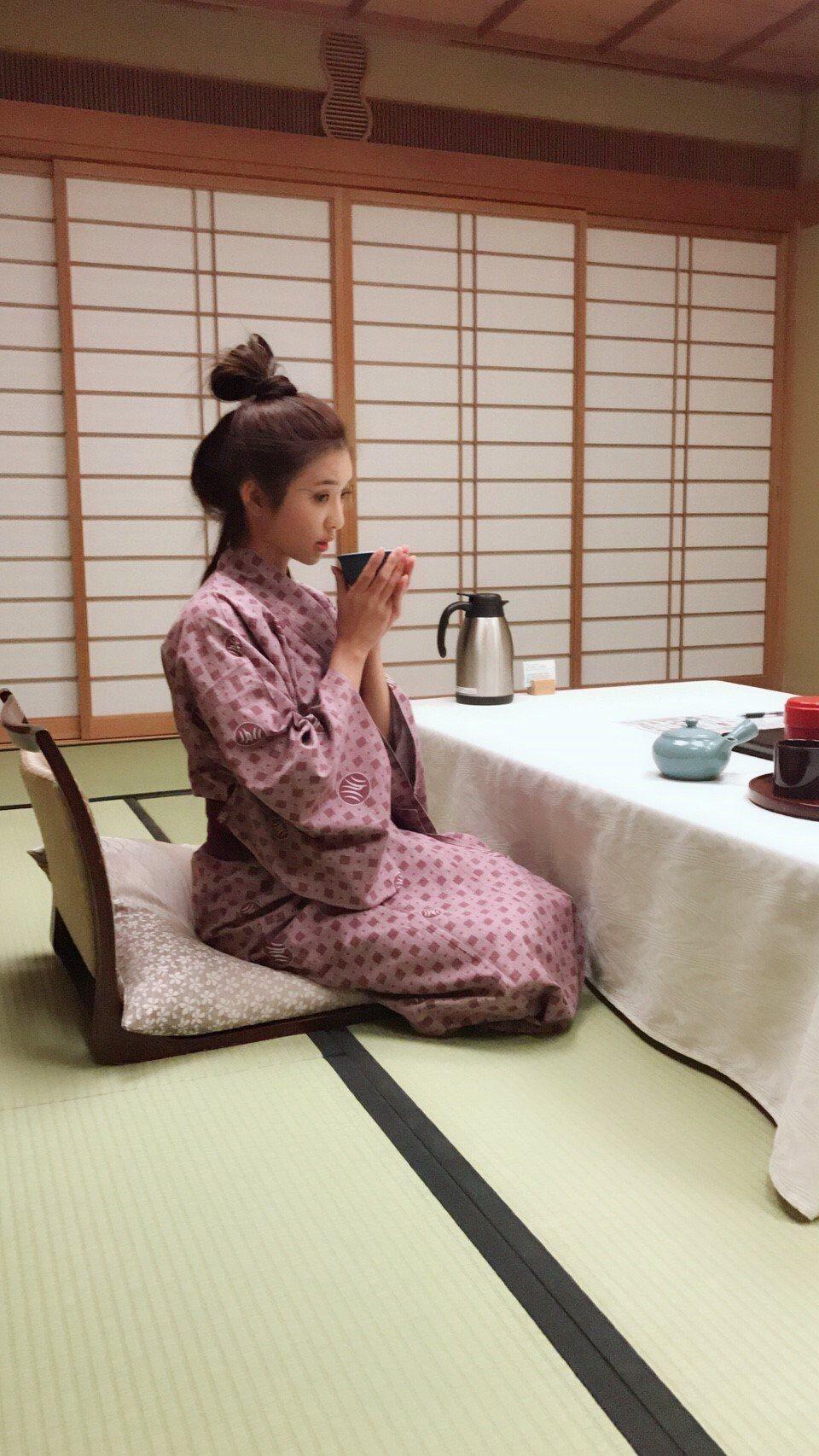 安于晴赴日度假,住溫泉飯店享受泡湯樂、穿浴衣喝茶。圖/奧瑪優勢傳媒提供