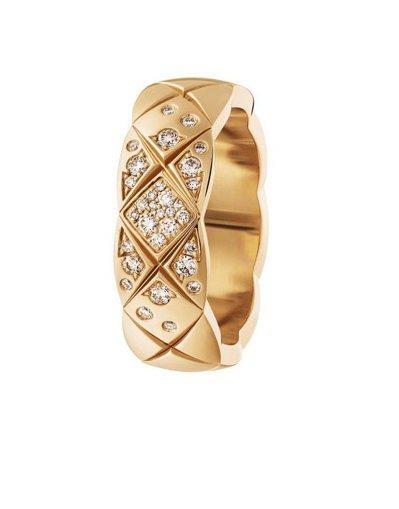 COCO CRUSH 戒指小型款,18K Beige米色金鑲嵌鑽石,13萬6,0...