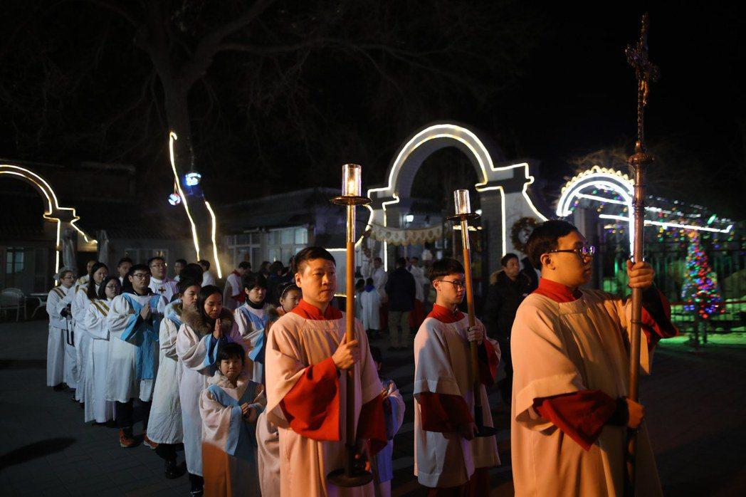 中國許多學校禁止過聖誕節。 魏碧洲/翻攝