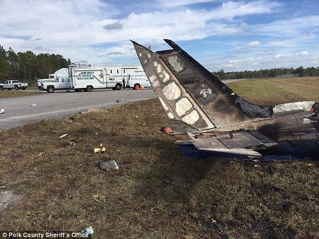 聖誕前夕一架雙引擎飛機在大霧中墜毀佛州機場,五人遇害。