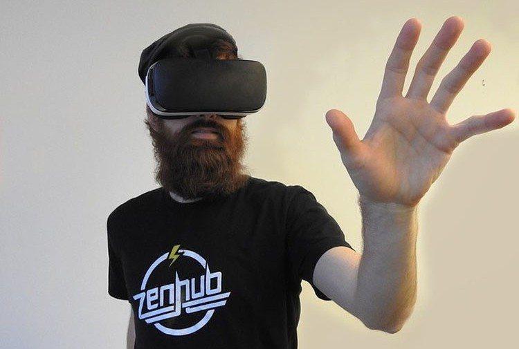 俄羅斯44歲男子玩VR,不小心跌倒在一張玻璃桌上,最終因失血過多死亡。圖為示意圖...