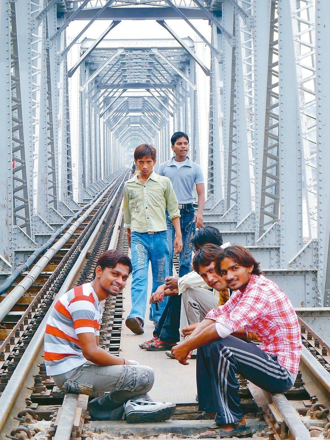 印度鐵道日常。 謝旺霖