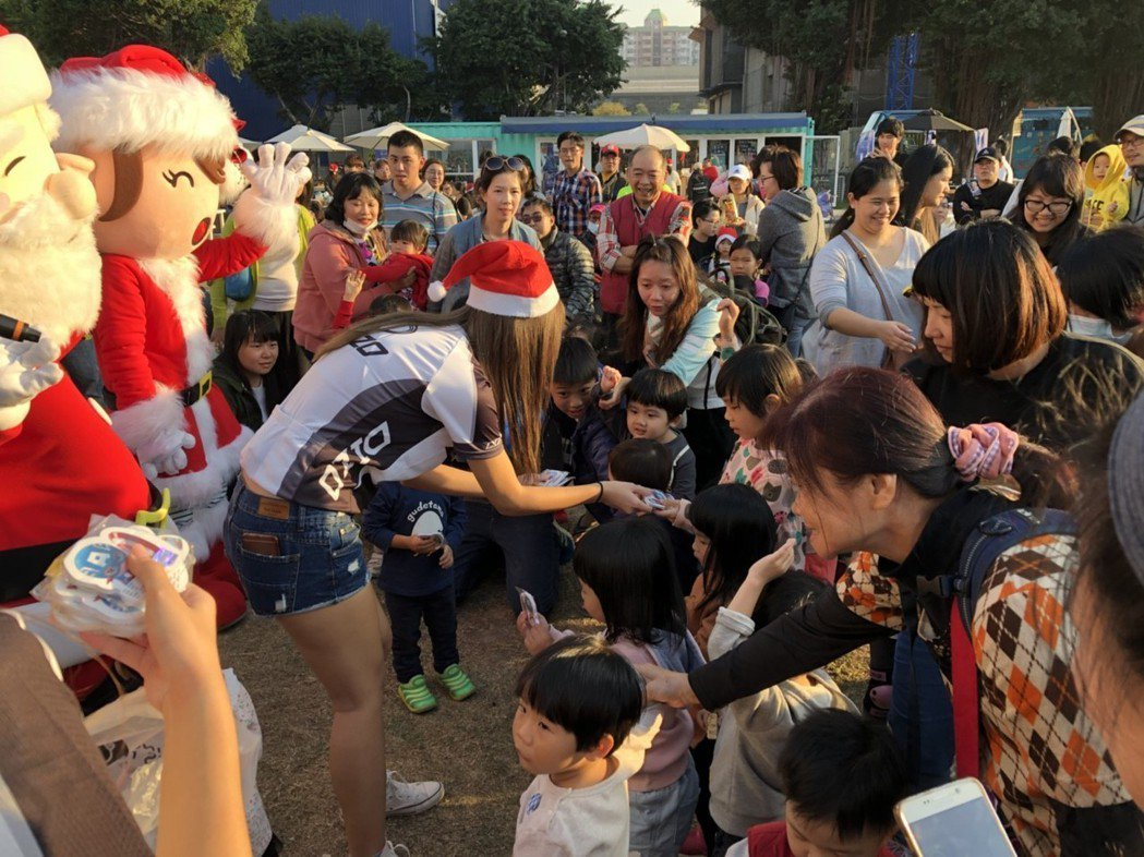 聖誕騎市逗陣來集盒,現場互動歡笑多。 DIZO/提供