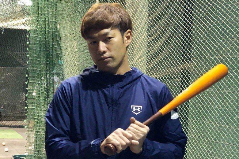 柳田悠岐一上場就掃出右外野再見轟,助軟銀隊以5:4贏球,搶下第3勝率先「聽牌」。...