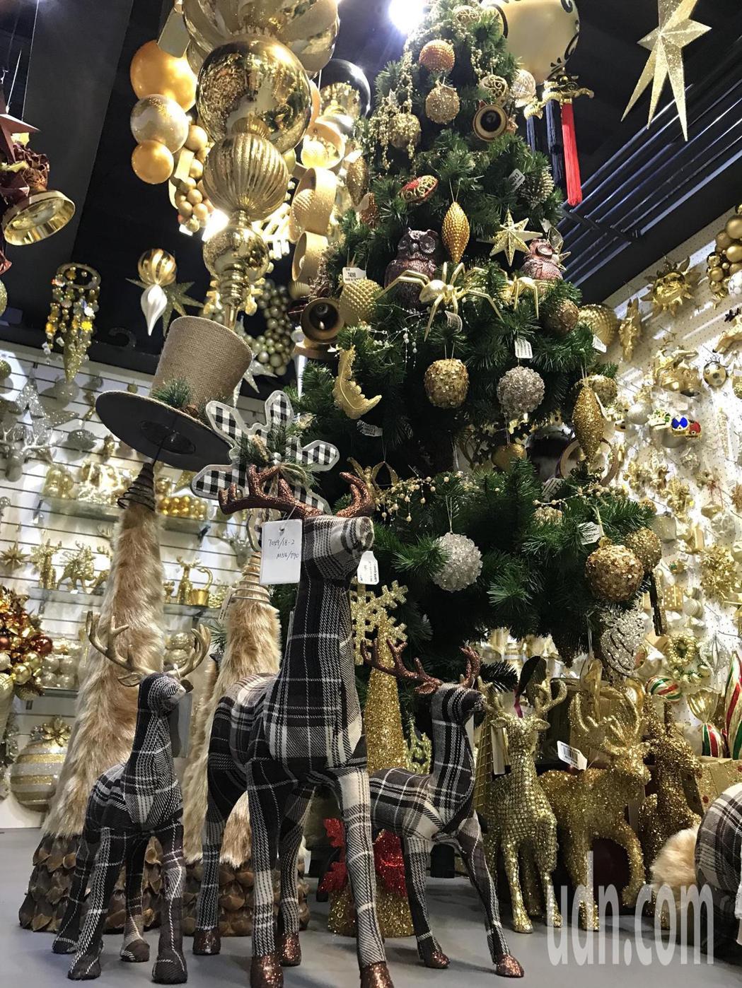 聯瑩工藝生產的耶誕燈飾走高質感。記者陳妍霖/攝影