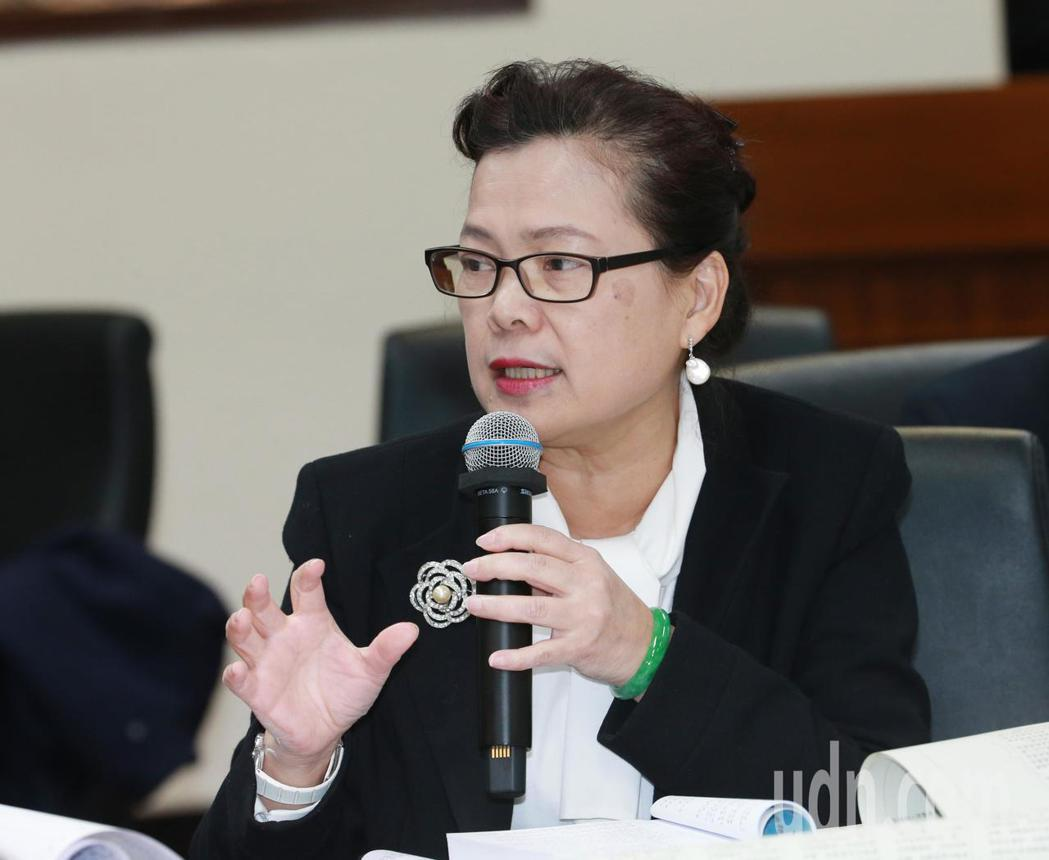 經濟部次長王美花表示,對有礦權的業者來說,直接停工可能影響整體生產鏈。記者黃義書...