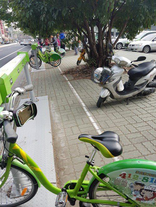 台南市健康路這條100多公尺的道路,竟分屬個單位管理,影響到T Bike的行車安...