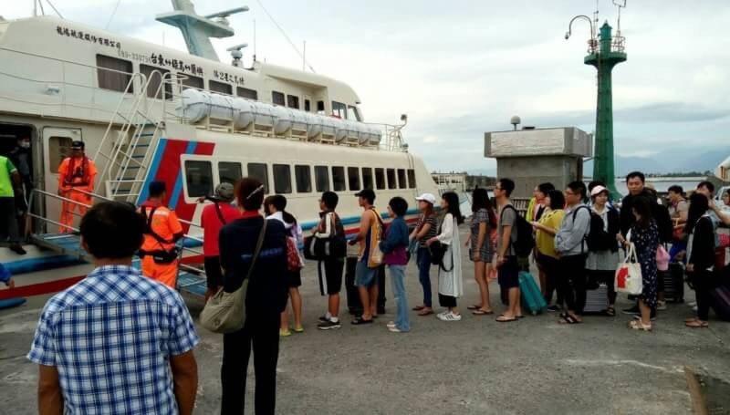 旦連續假期交通部 航港局加強離島及小三通客輪航行安全及旅運服務。 圖/航港局提供