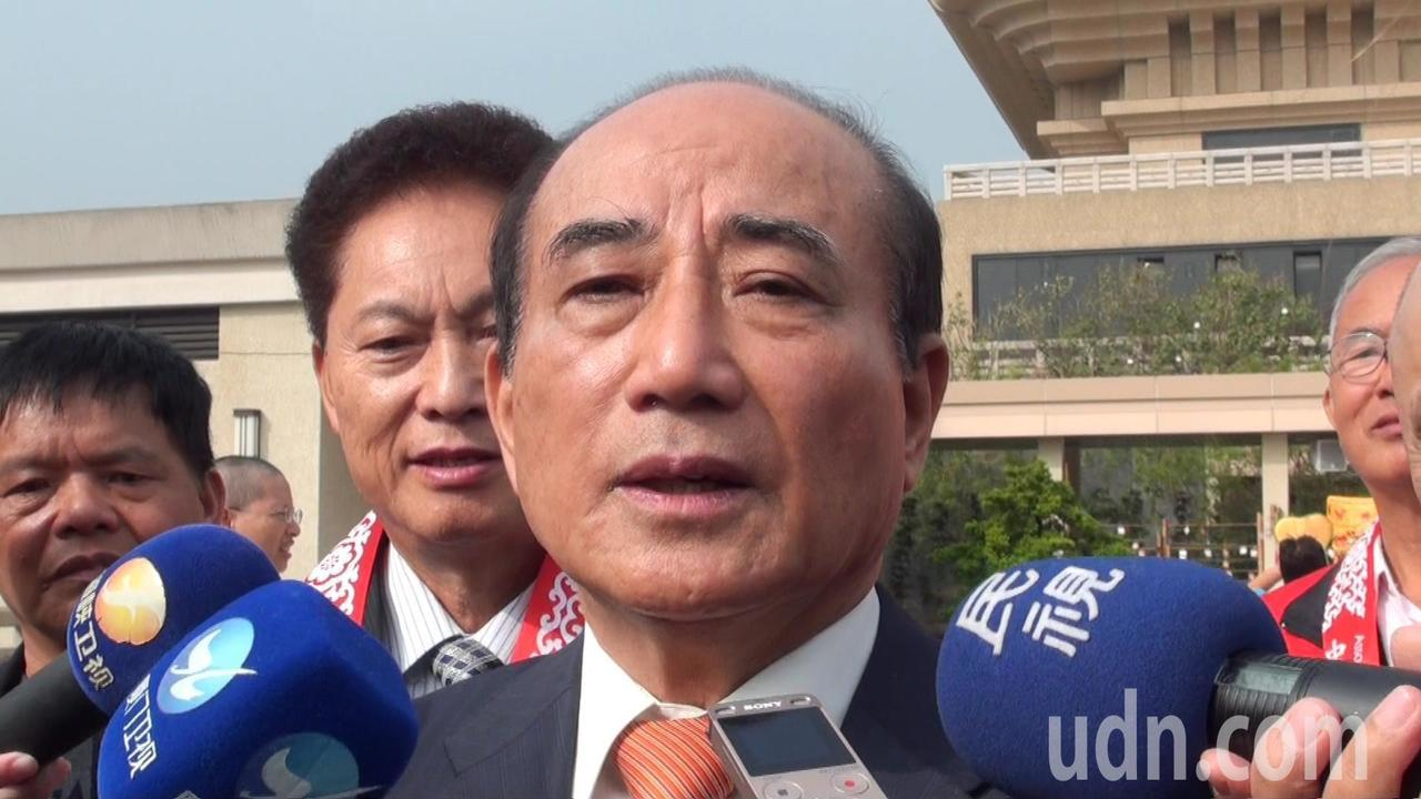 對照於今天的台灣政局,王金平表示,他向行政院長賴清德提過,現在國家最需要的第一就...