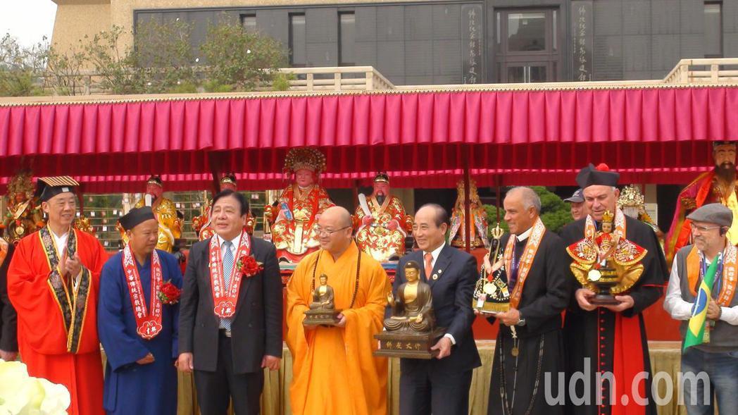 世界各地宗教齊聚佛光山佛陀紀念館,參加神明聯誼會。記者王昭月/攝影