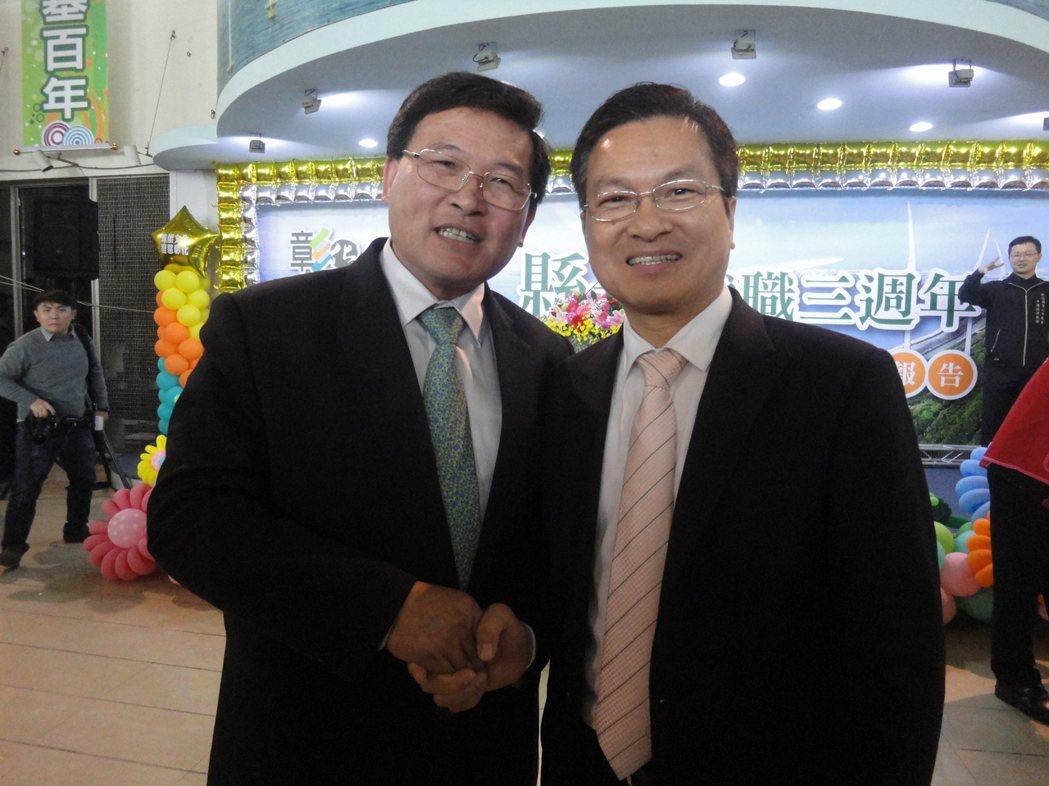 彰化市邱建富盛讚彰化縣長魏明谷(右)「說得到、做得到」,一定要支持他,「樓仔厝起...