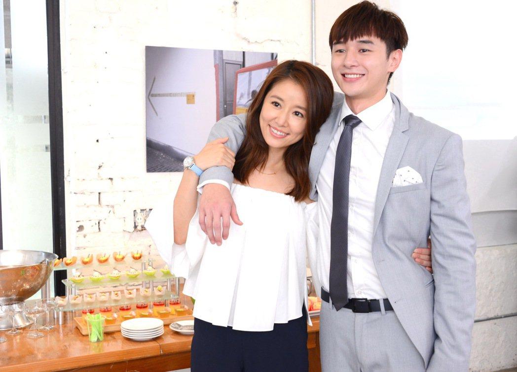 林心如(左)與張軒睿在「我的男孩」中上演姊弟戀。圖/八大提供