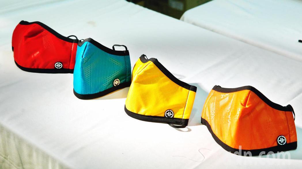 廠商推出具有防空汙效果的口罩。記者鄭超文/攝影