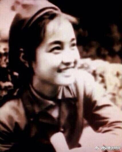劉曉慶在微博曬出青春舊照。圖/摘自微博