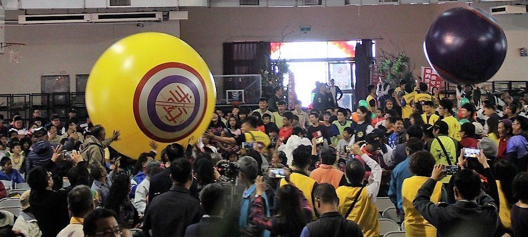 屏東縣警局今在內埔農工舉辦校園偏鄉反毒誓師大會,透過活動呼籲青少年學子遠離毒品。...
