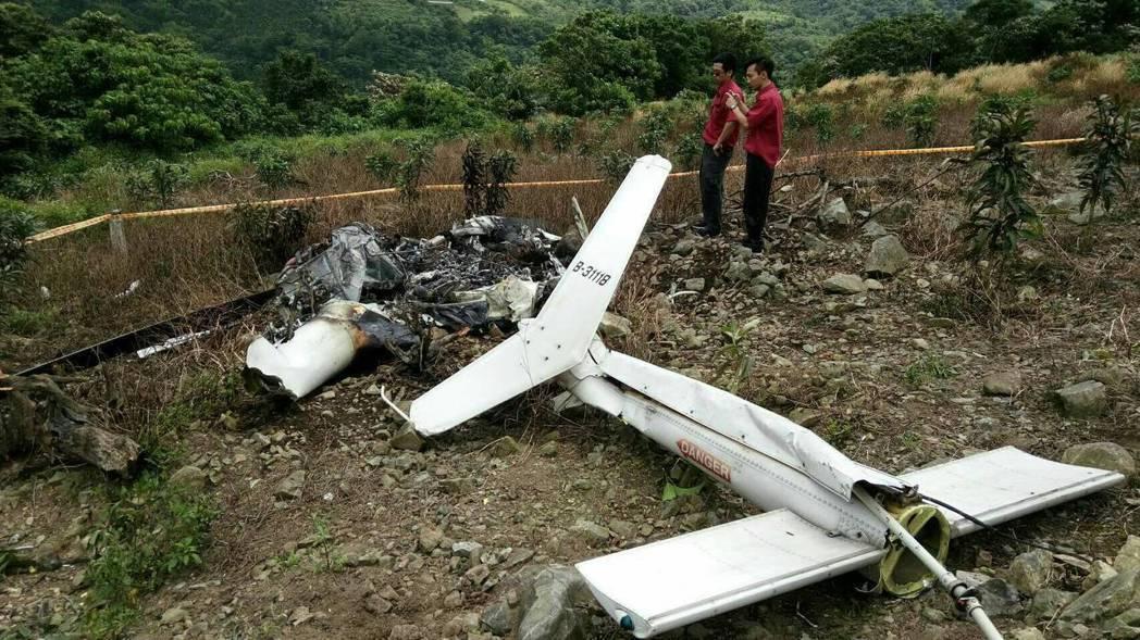 紀錄片導演齊柏林為拍攝「看見台灣」續集,搭乘直升機勘景不幸墜機身亡,他所搭乘的直...