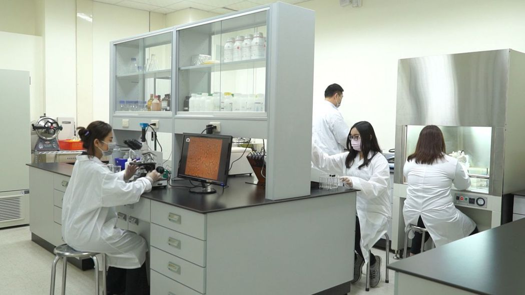 自建實驗室確保產品質量。 圖/綠冠翔提供