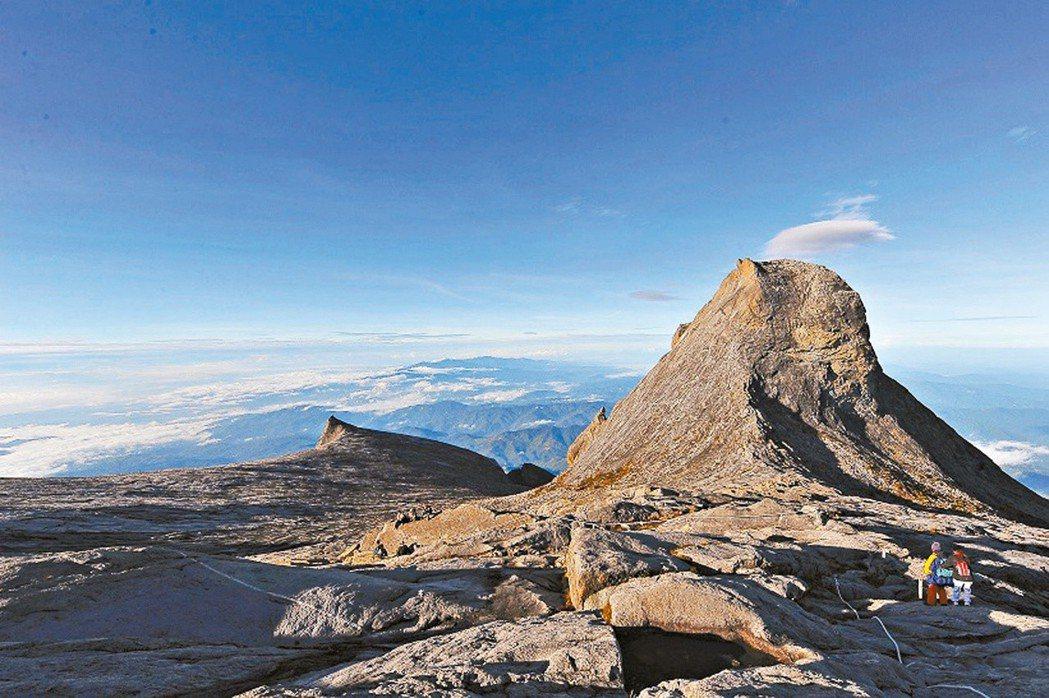 大馬護照上有沙巴神山。 馬來西亞觀光局/提供