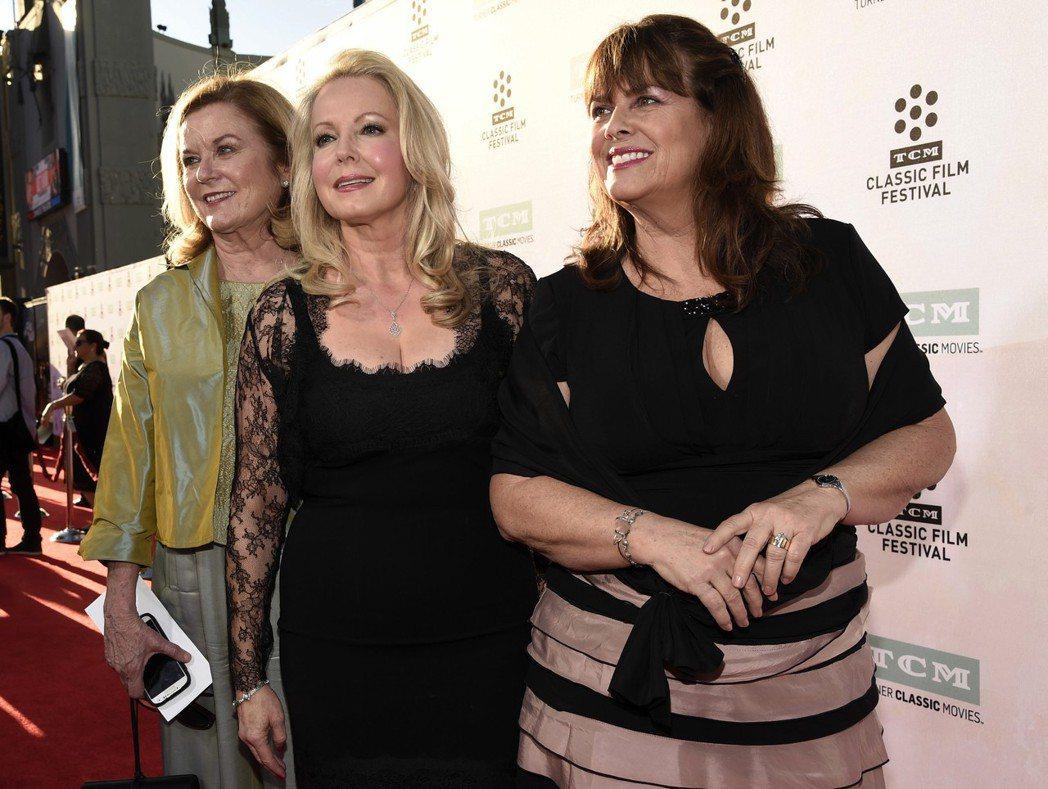 經典電影「真善美」片中飾演二女兒的女星海瑟孟席斯尤立奇(左)過世。 圖/美聯社