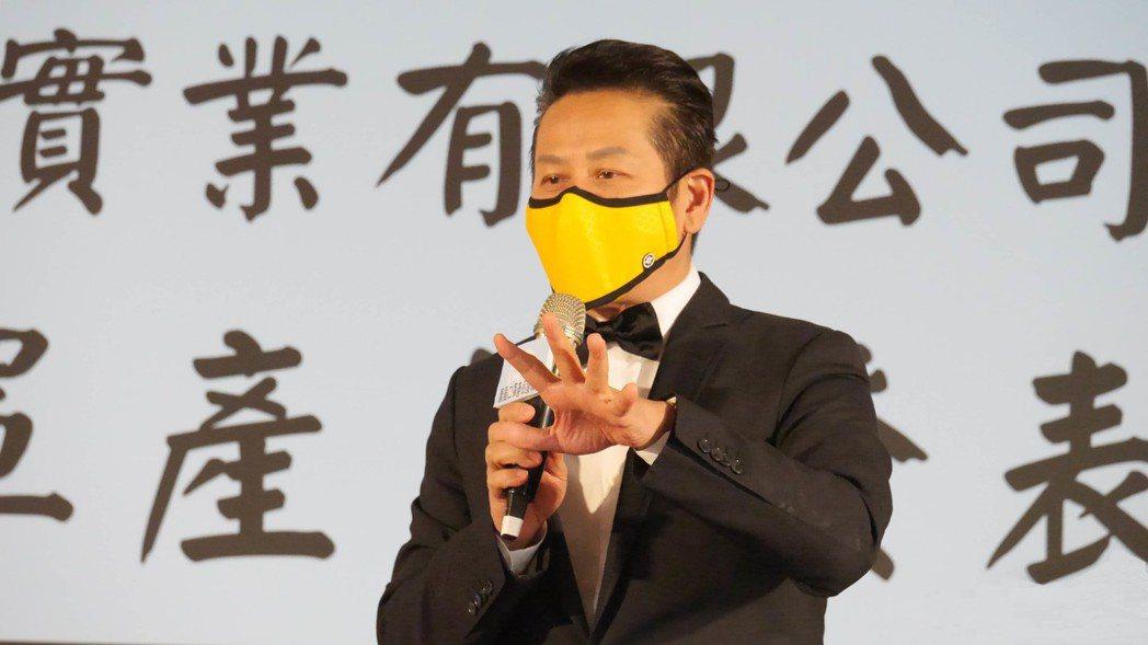 活動中乃哥戴康盾活動中帶領大家一同感受康盾六大特色與高規格防空污口罩的真實性。