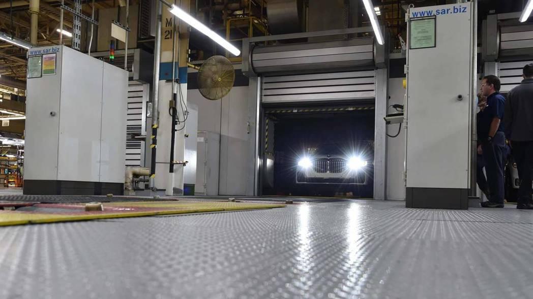 全新BMW X7預計會在2018年底發表。 摘自BMW