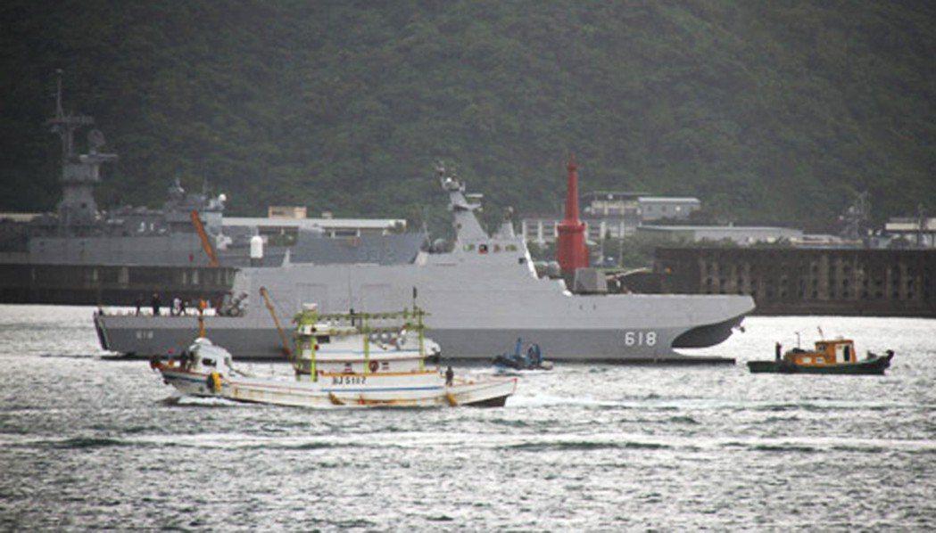 國軍高層主張海軍要建構一批外型如同漁船或遊艇的微型攻擊艇。 記者洪哲政/攝影
