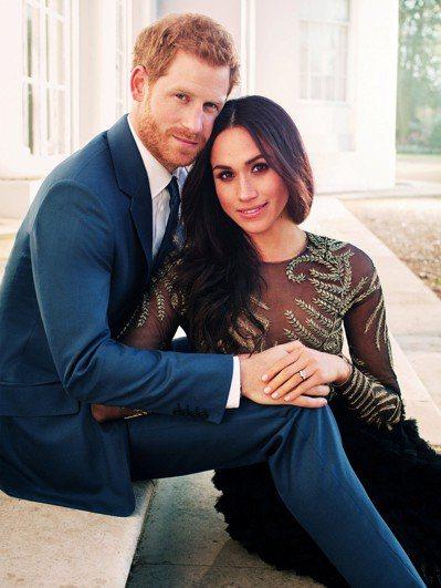 哈利王子與梅根的官方訂婚照。 (路透)